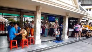 Bangkok Thailand - Erawan Srine エラワン・プーム(祠)・象気功