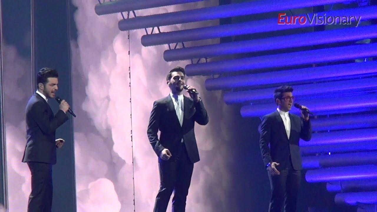 Italy will again participate in Eurovision 04.12.2010 69