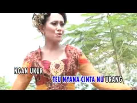 Dewi Rahmawati - Kalangkang Cinta.flv