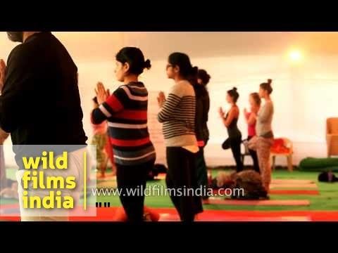 people-from-different-countries-learn-yoga-from-bharath-shetty---india