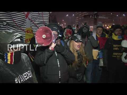 Romania: Protesters slam proposal to dismiss chief corruption prosecutor