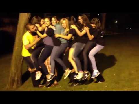 Kızlarla Erkekler Karışık Uzun Eşek Oyunu