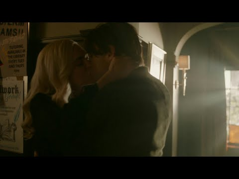 Lizzie & Sebastian 2x09 logoless scenes