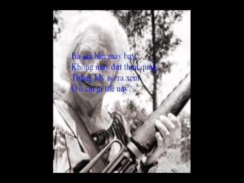 Bà già bắn máy bay
