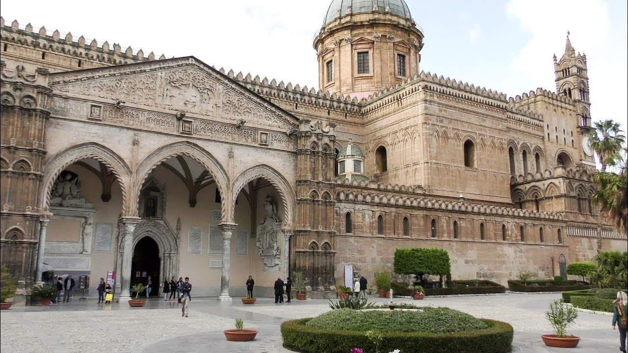 1380bc9701 A Walk Outside and Inside The Cathedral of Palermo