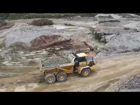 Gold mining hitachi zx520 zx270 bell b50