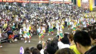 2010.8.14ホクト連の阿波踊り、友近と鎌鼬です.