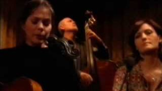 Nanci Griffith (et al.) - Who Knows Where The Time Goes