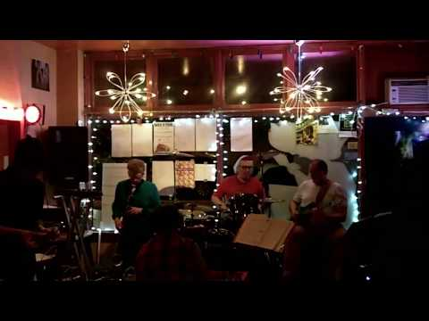 clips from paper gates featuring dialectic flowers @tardis room portland, oregon 2017