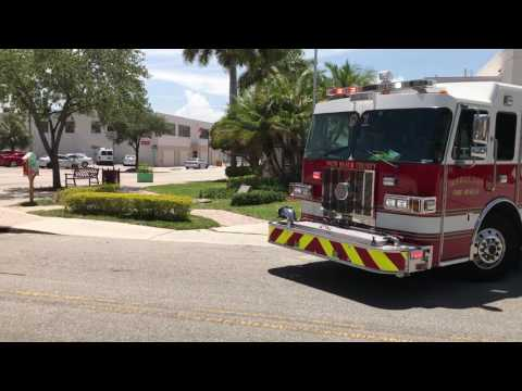 PALM BEACH COUNTY FIRE RESCUE ENGINE 91 & PARAMEDICS RESCUE 91 RESPONDING FROM QUARTERS IN FLORIDA.