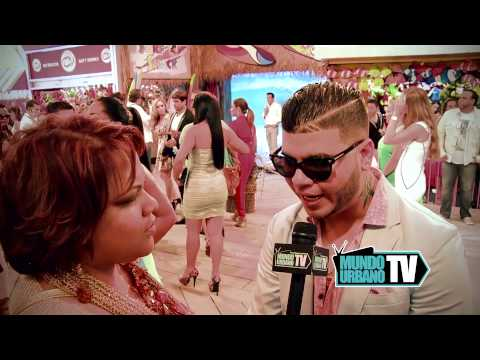 Farruco en Premios Juventud 2013 con Closed Caption Videos De Viajes