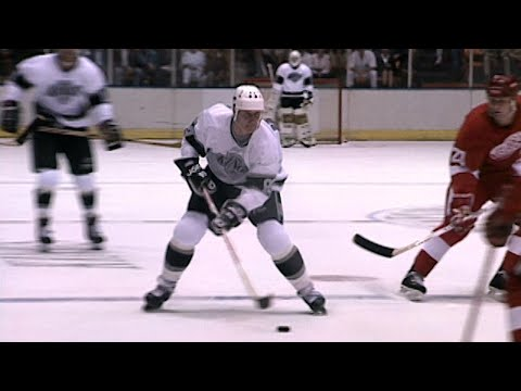 Memories: Gretzky's first game with the Kings