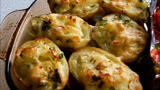 Картофель фаршированный сыром / Pommes de terre farcies  .wmv