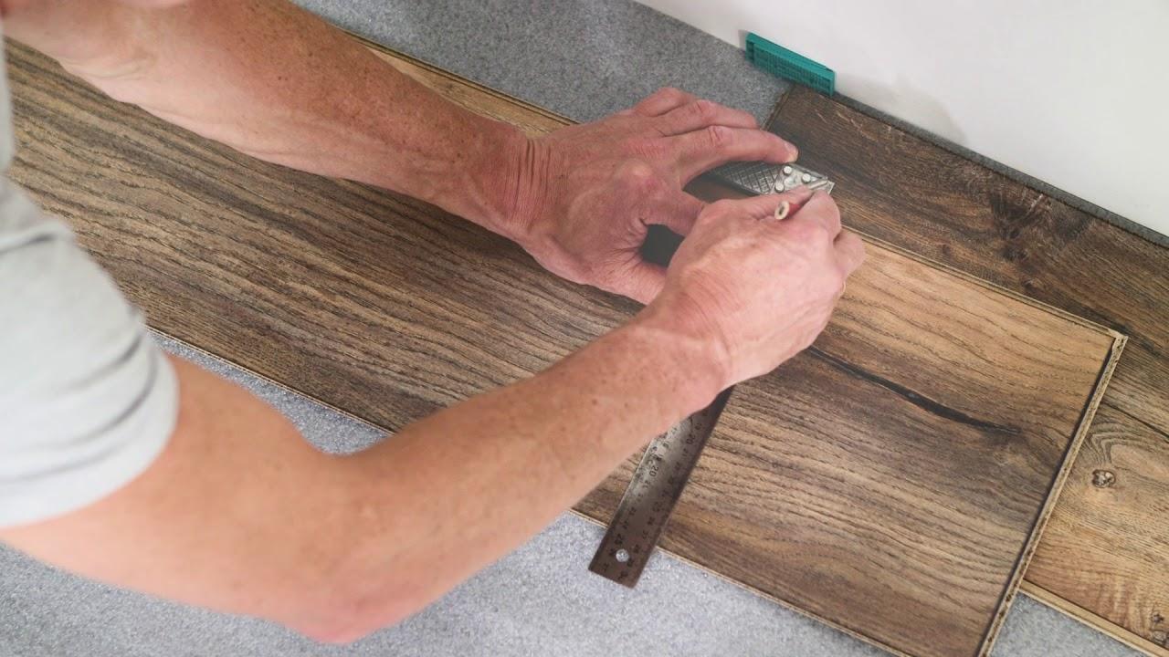 Jak položit plovoucí podlahu u dveří