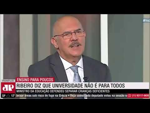 Movimentos Sociais protestam na praia de Pajuçara contra PEC 32 do governo Bolsonaro, em Maceió