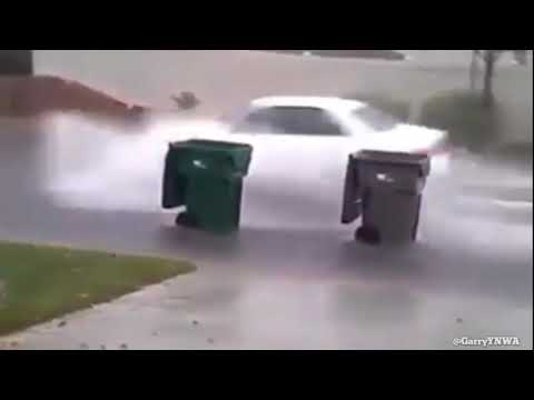 F1 Bins battle it out during the Hurricanes in Florida Keys....
