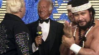 Bob Uecker gets an earful from Bobby