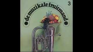 De Muzikale Fruitmand 3 - Alle roem is uit gesloten - Samenzang