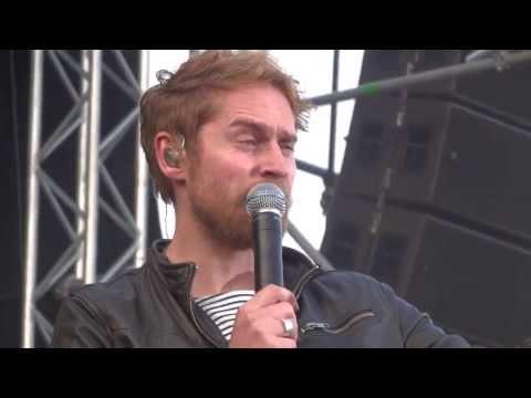 """Johannes Oerding """"Traurig aber wahr"""" live in Kiel"""