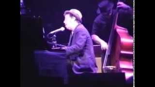 Tom Waits - A little Rain - Paris, Le Grand Rex, 2000
