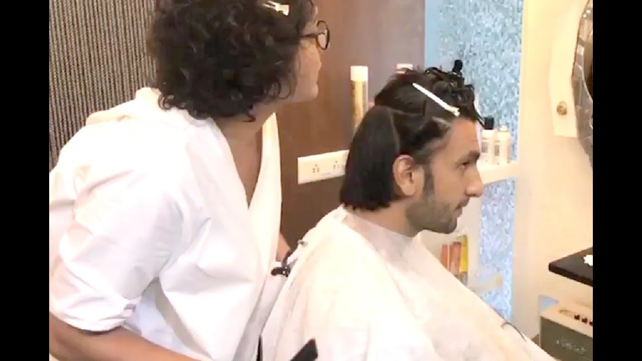 Ranveer Singh New Haircut Video At Salon 2017 Youtube