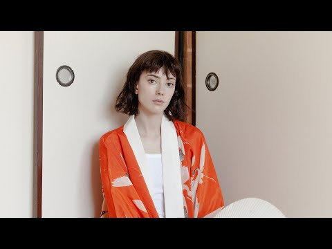 Yulia Shumakova interview | Antique trader & fashion model living in Tokyo Life in Japan & modeling