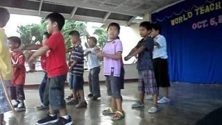 KYLE's dancing Kendeng Kendeng by:Willie Revillame