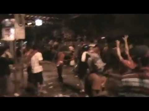 Manifestations violentes du 10 avril 2010 Bangkok.mp4 - KickYouTube.flv