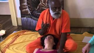 vuclip Getting Oil Body Massage - BEAR Massage