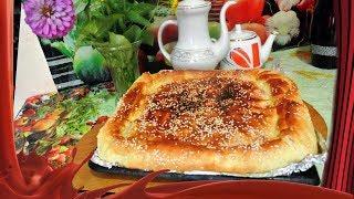 Пирог с грибами и куриными потрошками.