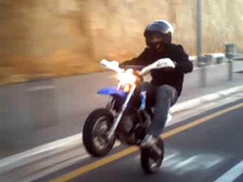 polini 4t (zack roof stunt) in morocco