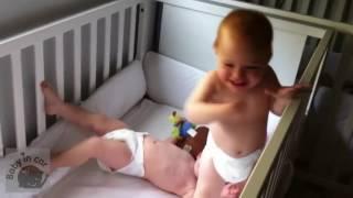 video bayi lucu banget bikin ngakak 2017 - Ekspresi Wajah Kaget Asli Bikin Sakit Perut - 001