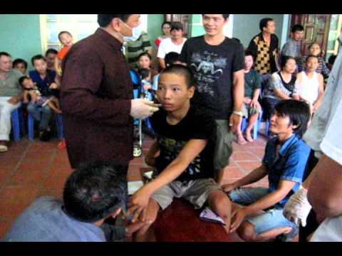 Lương y Võ Hoàng Yên chữa bệnh ở Vân Đồn 25/7/2012