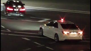 ノールック信号無視でマークX+Mスーパーチャージャーに捕まるBMW!交通機動隊による覆面パトカー取り締まり検挙の瞬間!TOYOTA MARK X SUPER CHARGER thumbnail