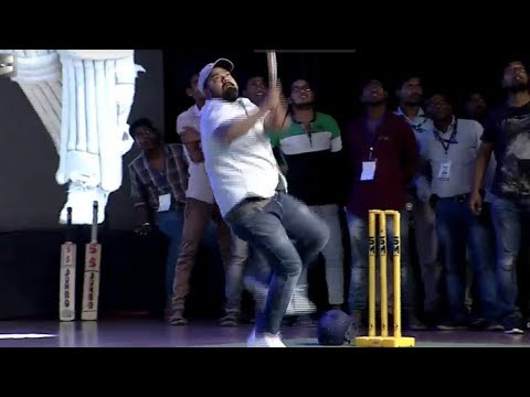 Director Vikram And Venky Kudumula Playing Cricket @ JERSEY Pre Release Event