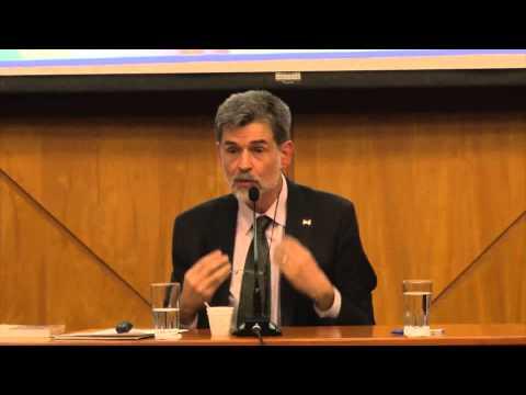 Conferencia de Carlos González sobre crianza con apego