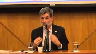 Conferencia de Carlos González sobre crianza con apego thumbnail