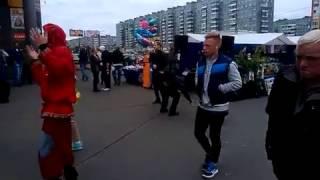 Питерские бомжы самые позитивные )