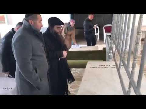 """הרב יאשיהו יוסף פינטו שליט""""א בציון רבי יצחק אבוחצירא זצוק""""ל"""