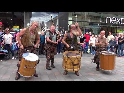 "Clanadonia, Scottish tribal band playing ""Spanish Eyes"" at Perth's Medieval Festival - 4K UHD"