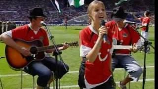 Hannover 96 - Alina Schmidt singt 96 alte Liebe