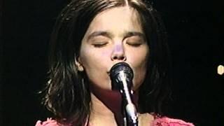Björk - Violently Happy (live on Top of the Pops (1994))