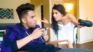 How Guys Act Vs. How Girls Act thumbnail