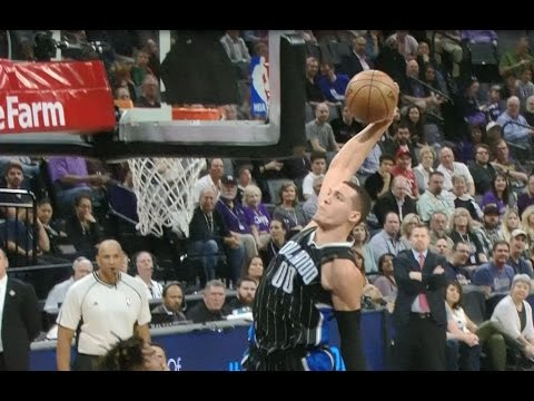 Top 10 NBA Plays of the Night: 03.13.17