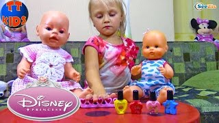 Беби Бон Ярослава делает макияж куклам Видео для детей Развлечения Disney Princess Makeup