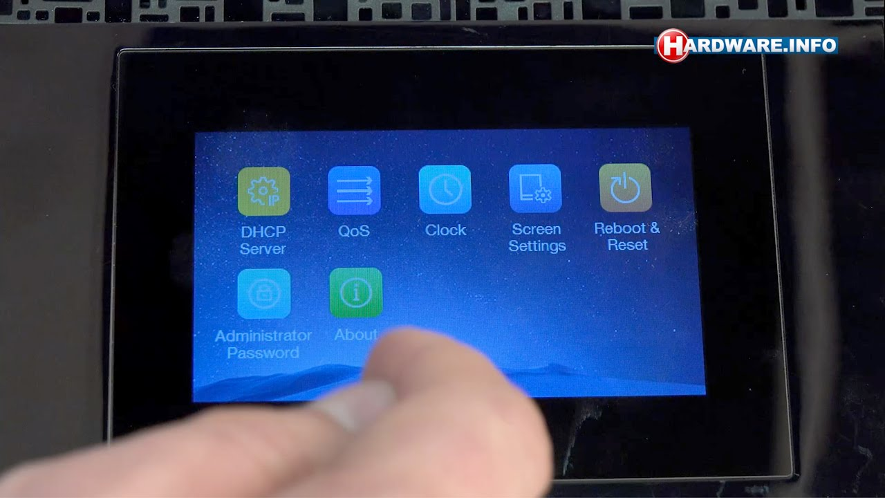 Tp link touch p5 touchscreen router review hardwarefo tv dutch tp link touch p5 touchscreen router review hardwarefo tv dutch youtube greentooth Images