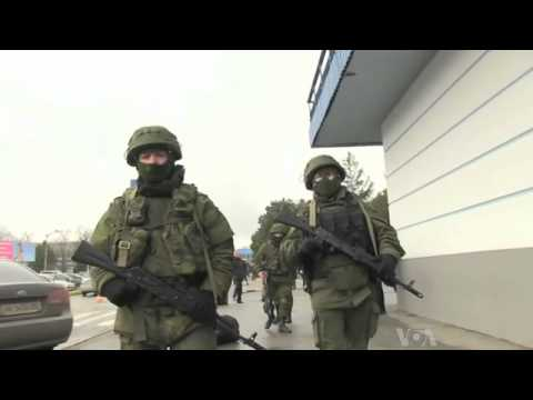 Russian Armed Men Seize Airports in Crimea - Ukraine Political Crisis : Video