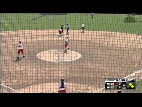 HIGHLIGHTS: Softball Run Rules Ole Miss En Route to Sweep