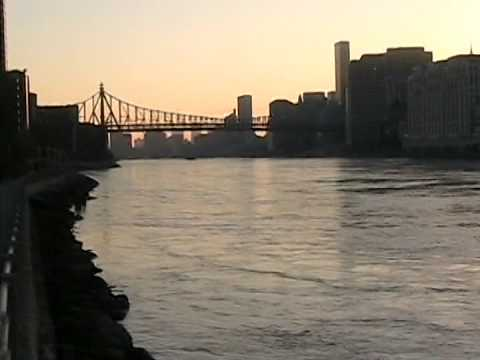 A Trip to Roosevelt Island in New York City, November 2005