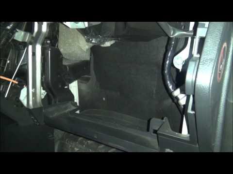 Nissan Note 1.6 меняем салонный фильтр